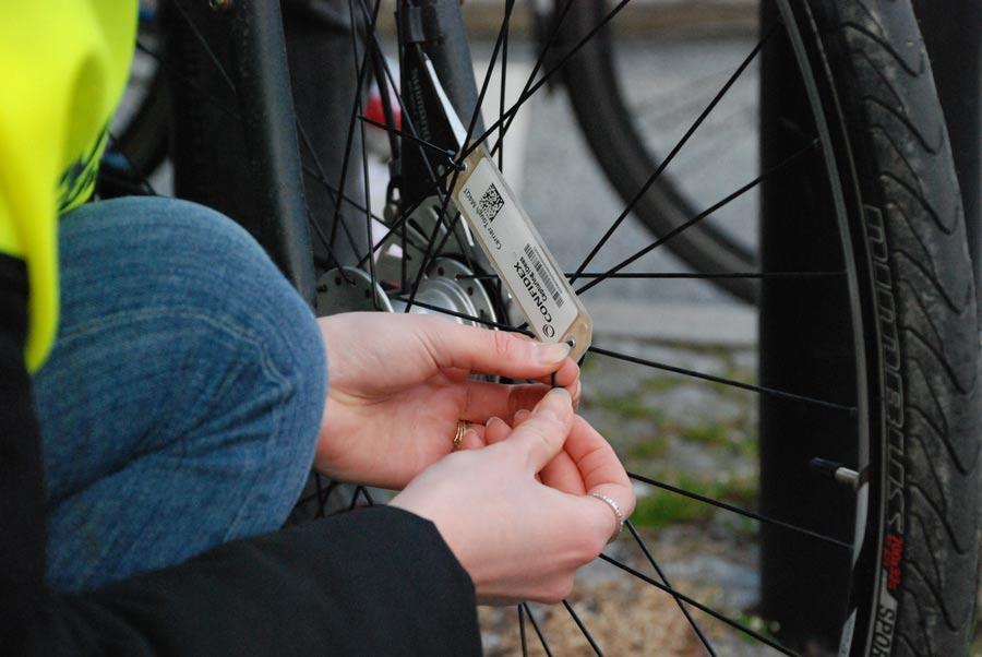 rfid cykel chip closeup